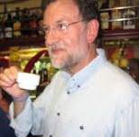 20120413125642-tomando-cafe.jpg